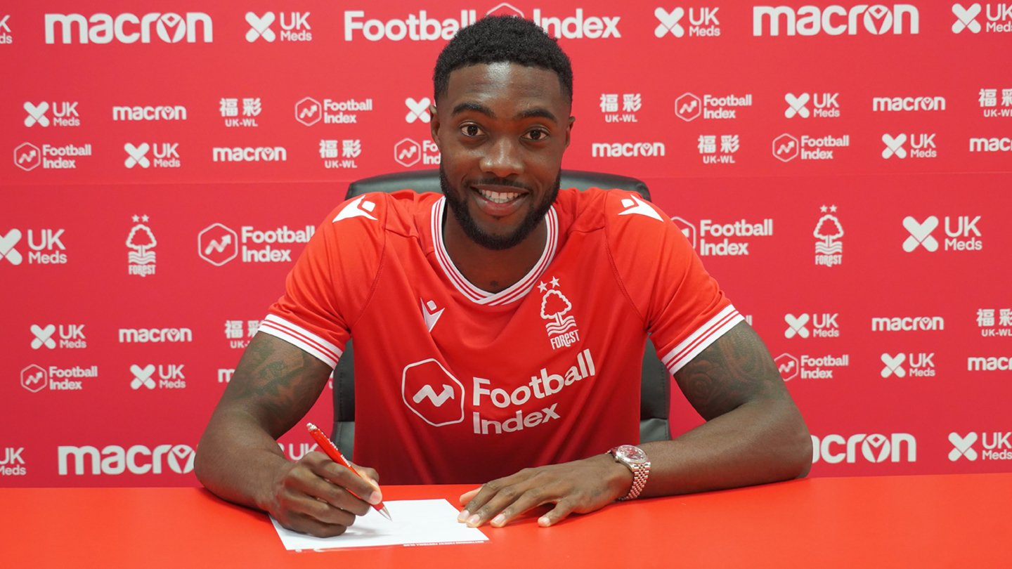 Blackett joins The Reds